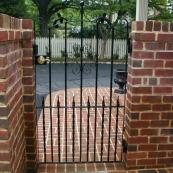 demir doğrama bahçe kapıları