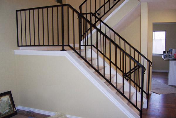 Yang n merdiveni merdiven korkuluklar yang n merdiveni for Modello di casa all interno
