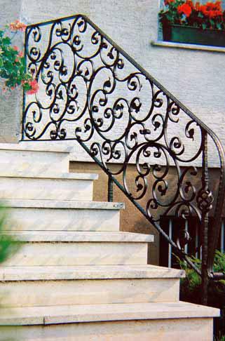 merdiven korkuluk demirleri