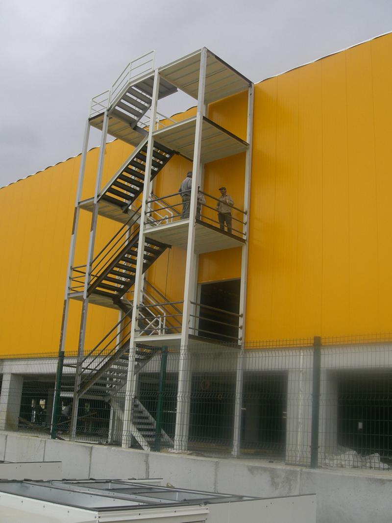 yangın-merdiveni-sistem-ic-mimarlık-16