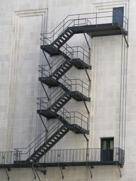z-tipi-yangin-merdiveni-1